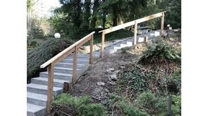 Carpentry - Maple Bay Driveway Stairs Project
